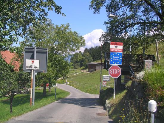 (medium size) borderpost.jpg